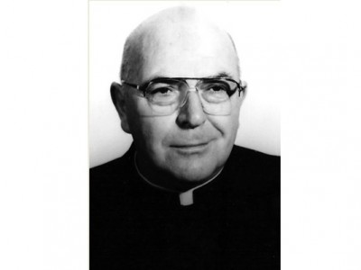 Rev. Oscar H. Frundt, priest of the Roman Catholic Diocese of Wilmington since 1956 and long-time chaplain for the Delaware State Police died on April 13, 2015 at the age of 87.